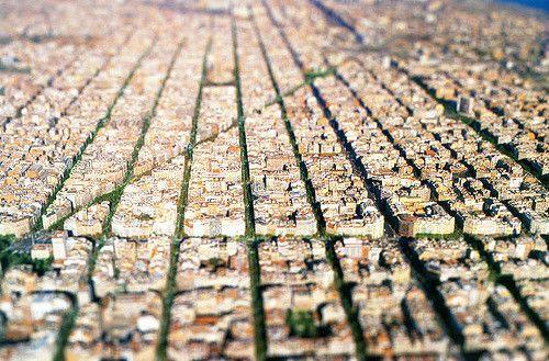 道路をコミュニティに取り戻せ! バルセロナのスーパーブロック計画